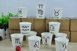 Pequeñas taza y tazas de cerámica de café