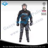 警察は抵抗力がある完全なボディ保護装置の反暴動のスーツを刺す