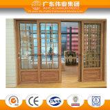 Puerta deslizante de aluminio blanca de capa del polvo con la parrilla de la decoración/la puerta de la seguridad