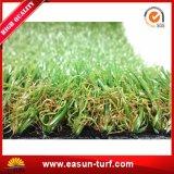 装飾のための人工的な草の泥炭のカーペット