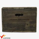 ふたが付いている使用できる型のシックで無作法な木箱