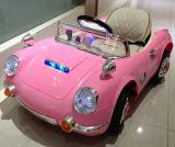 Kind-Fahrt auf Auto-elektrisches Spielzeug-Auto