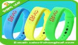 2016년 사탕 아이들 주문 접촉 스크린 스포츠 실리콘 LED 시계