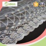 ほとんどの普及したオーストリアの刺繍は花のカット・ワークの薄いベニスのレースを設計する