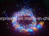 Шнура медного провода освещаемый батареей СИД