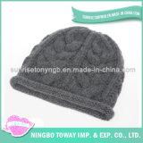 Qualité tricotant à la main le chapeau laine-acrylique de polyester
