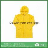 Raincoat amarelo da cor da alta qualidade para crianças