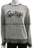 털실 염료는 편지 인쇄를 가진 여자를 위한 스웨터 스웨터를 줄무늬로 했다