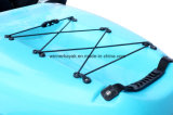El molde de Roto se sienta en el kajak superior modifica el solo kajak para requisitos particulares