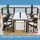Im Freien Aluminiumrahmen-quadratische speisende Set-Garten-Möbel