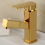 Flg ziehen Funktions-Badezimmer-Bassin-Hahn-Goldfarbanstrich aus
