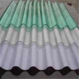 Cubrir la hoja acanalada del policarbonato
