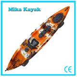 O caiaque profissional da canoa da pesca com pedais vende por atacado