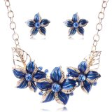 Серьги ожерелья чокеровщика диаманта заявления цветков ювелирные изделия способа кристаллический установленные