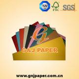 Papier excentré de blanc ou de couleur dans Stocklets