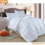 贅沢なガチョウおよび羽の羽毛布団の慰める人の寝具のキルト(DPF1093)