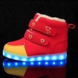 De leuke LEIDENE van Jonge geitjes Lichte Klassieke Lange Laarzen van de Sneeuw, Lichtgevend Licht op LEIDENE Schoenen 2016 voor Kinderen