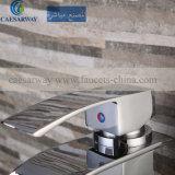 Faucet da cachoeira da torneira de água da bacia do quadrado do aço inoxidável para o banheiro