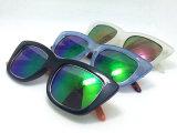 Gafas de sol plásticas de la manera del diseñador a estrenar con insignia de encargo