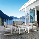 Sofà esterno del doppio della mobilia del rattan del patio di alta qualità di prezzi competitivi per il ristorante