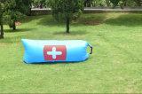 最も新しく速く膨脹可能なキャンプのLamzacのたまり場の空気ソファーのスリープ折り畳み寝台