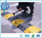 交通安全のための黄色い反射ゴム製速度のこぶ