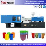 Machine en plastique personnalisée de moulage par injection de produits de ménage
