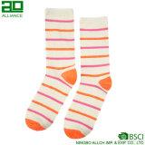 Высокое качество Stripes померанцовые носки женщин экипажа