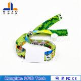 Modificado para requisitos particulares jugando el Wristband elegante trenzado del código RFID del laser