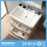 Hellende Vloer die het Moderne Kabinet Van uitstekende kwaliteit van de Badkamers (BF367D) bevinden zich