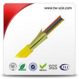 24 de fibra multimodo fan-out cubierta del desbloqueo con cable de fibra óptica de alta resistencia