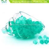 La pistola della pistola delle sfere del richiamo dell'acqua gioca i branelli di cristallo verdi del terreno
