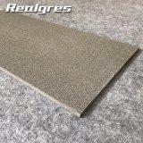 Mattonelle di pavimento rustiche del vinile della Doubai di prezzi delle mattonelle del pavimento non tappezzato dell'ente completo di vendita di Alibaba