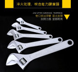 Выкованный регулируемый ключ с пластичной ручкой