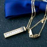 新しい女性の方法宝石類のステンレス鋼の正方形のダイヤモンドネックレス