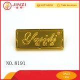 浮彫りになる工場価格の習慣および財布のためのDebossedの金属のロゴ