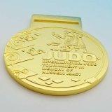 リボンが付いている金属のメダルによってめっきされる模造金