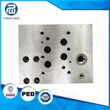 Выкованные части гидровлического цилиндра частей машинного оборудования CNC подвергая механической обработке