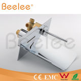 Новая ванна Style СИД Waterfall Single Lever Handle в-Wall Water Tap Mixer Powered Water Pressure Qh0500wsf