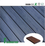 Plancher extérieur composé en plastique en bois imperméable à l'eau de la coextrusion WPC de matériaux de construction