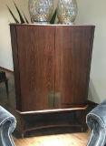 Cabina de madera casera moderna del estilo americano