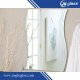 Le miroir imperméable à l'eau de salle de bains de Frameless, fait de glace Polished de miroir d'argent de bord, peut être dans les formes de grand dos, rondes, ovales ou irrégulières