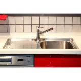 Hoher glatter Paiting Ende-Küche-Schrank