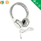 耳によってワイヤーで縛られるステレオの卸し売り携帯電話のヘッドセットのヘッドホーン上のシンセンの工場高品質