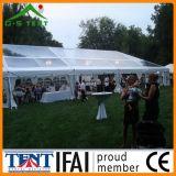 Estrutura transparente da barraca do frame do casamento do partido