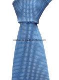 青い人のための白い点が付いている絹によって編まれるタイ