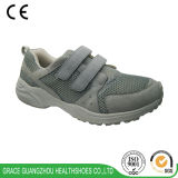 La santé de grace chausse les chaussures de course d'hommes