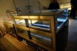 Gebogene Glasschokolade und Kuchen gekühlte Kühlvorrichtung