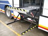 Ascenseurs de fauteuil roulant de la mobilité Wl-Uvl-1300 pour des autobus pour les handicapés et les personnes âgées