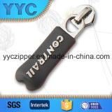 Branded Name를 가진 Bracelets를 위한 주문 Rubber Puller Metal Slider